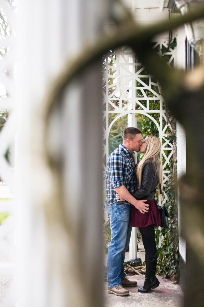 A beautiful kiss at Statham Lodge Cheshire