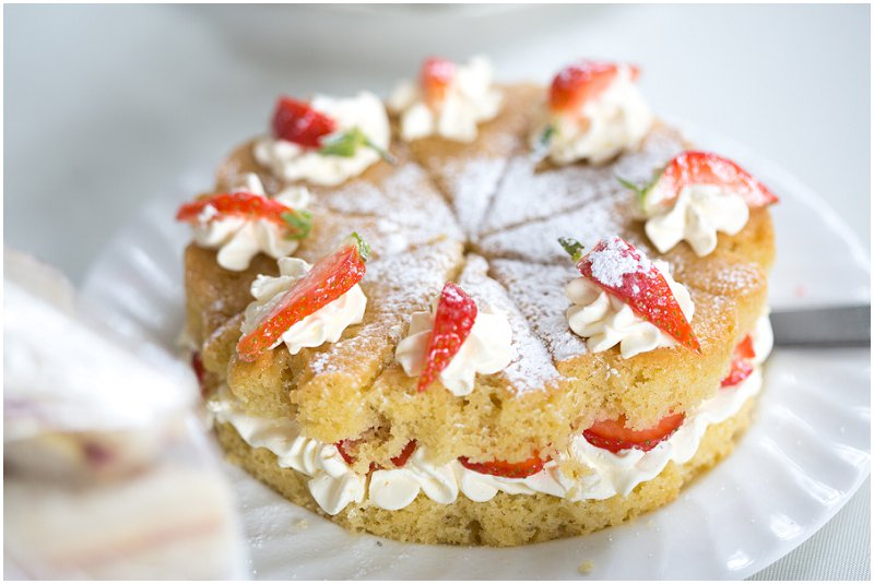 Sponge cake | Lancashire and Cumbria Wedding